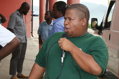 Rakotondravelo Rivomalala dit Rivo est secrétaire départemental du SNUipp Mayotte (c) E.Tusevo Diasamvu