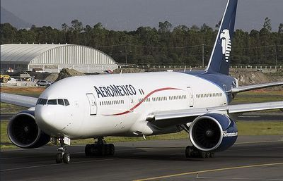 Aeromexico b777, avril 2007 (c) Johnnysast