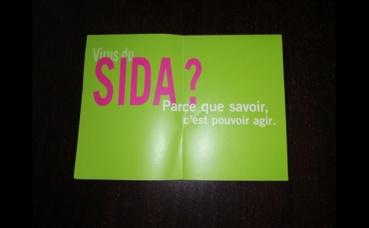 Plaquette d'information sur le sida du CeGIDD. Photo (c) M. Cugnot