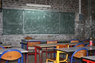 Salle de cours au lycée de Mamoudzou (c) Emmanuel Tusevo Diasamvu