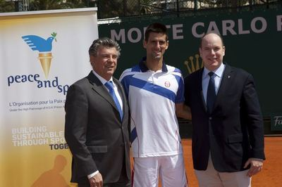 Joël Bouzou, Novak Djokovic, SAS Albert II de Monaco. Photo (c) P. Fitte / REA
