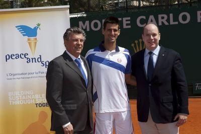Joël Bouzou, Novak Djokovic, SAS Albert II de Monaco. Photo (c) P. Fitte / REA