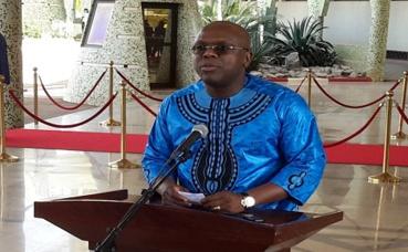 Le porte parole du gouvernement, Remis Dandjinou face à la presse. Photo (c) P. Ilboudo