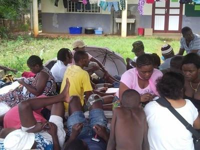 Vie des demandeurs d'asile dans la cour de la paroisse (c)Collectif des demandeurs d'asile et réfugiés de Mayotte