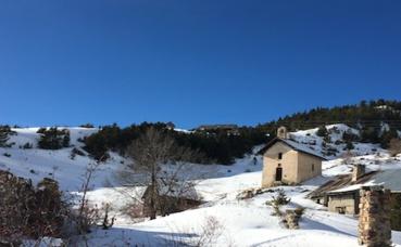 Châlets d'alpages au-dessus de Cervières (Hautes-Alpes), accessibles en raquettes seulement. Photo (c) M. Colombier