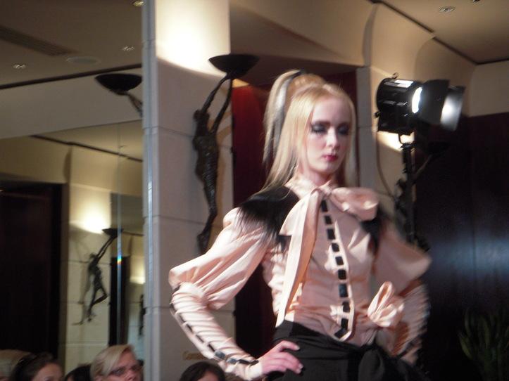 Eric TIBUSCH Paris Couture Collection Automne Hiver 2011/2012 5e Anniversaire