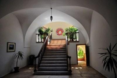 Vers le premier étage… Photo (C) Ibrahim Chalhoub.
