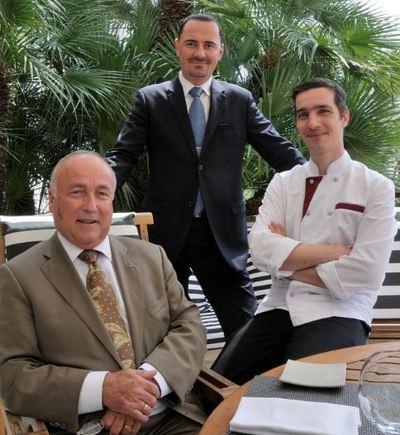 De gauche à droite: Alexandre-Pierre Faidherbe, Directeur Général, Sylvain Micholet, Directeur Restauration et Xavier Burelle, Chef de Cuisine. Photo courtoisie