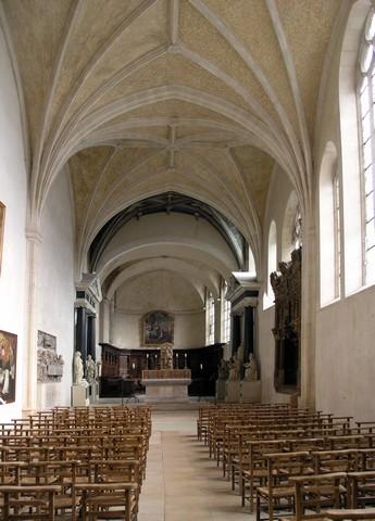 Vue intérieure, vers l'autel, de l'église des Cordeliers, photographie de Marsyas, 26 février 2006