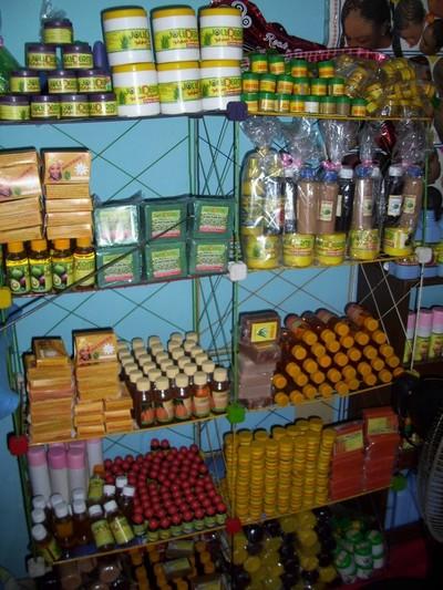Les produits cosmétiques Jolyderm (c) R. A. Dide