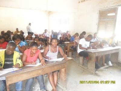 Au sein d'une école biblique (c) M. Kouonedji