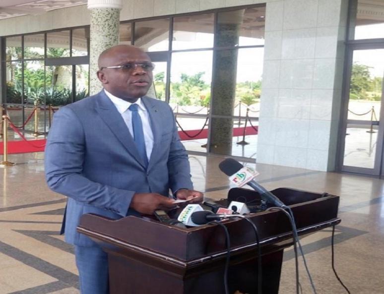 Le porte-parole du gouvernement, Remis Djandjinou à l'issue d'un conseil des ministres. Photo (c) A. Tapsoba
