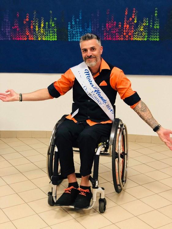 Julien Calmon remporte l'écharpe de Mister handi France 2019 à Gouesnou en Bretagne (c) N. Calmon