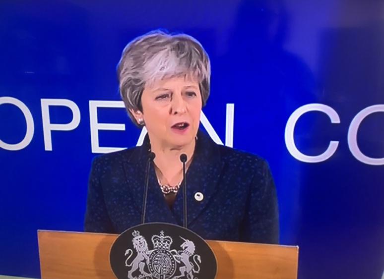 La Première ministre T. May annonce un report du Brexit plus court que prévu (c) Ngh