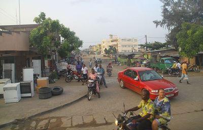 Rue de Cotonou. Photo (c) Olga Stavrakis