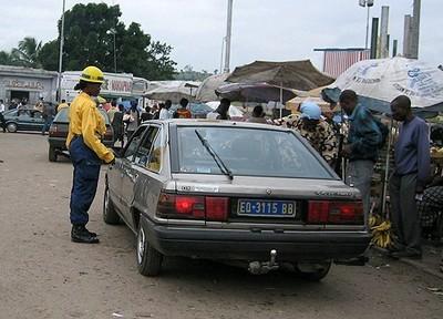 Tracasserie policière (c) Référence plus