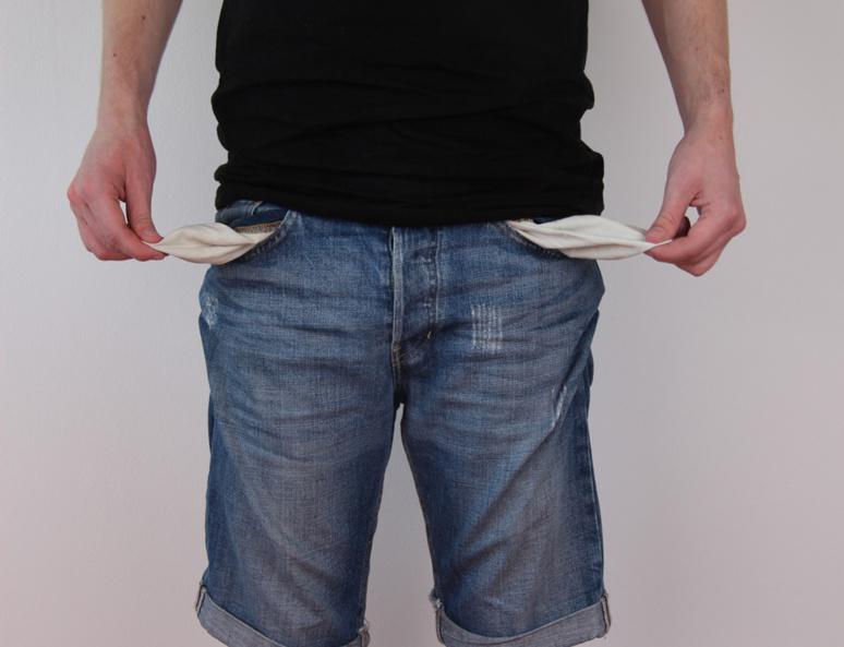 4.5 millions de jeunes ont un niveau de vie inférieur au seuil de pauvreté. Photo (c) Horst Tinnes-Pixabay
