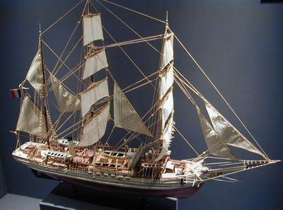 Maquette du navire des expéditions polaires de Jean-Baptiste Charcot, le 'Pourquoi pas ? IV'. Photo (c) Semnoz