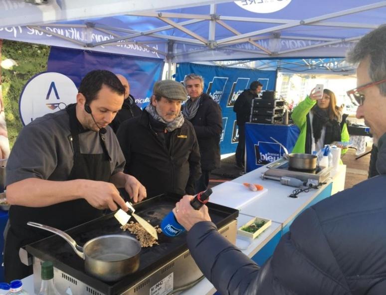 France Bleu Isère sur le marché vendredi (c) Frédérique Gelas