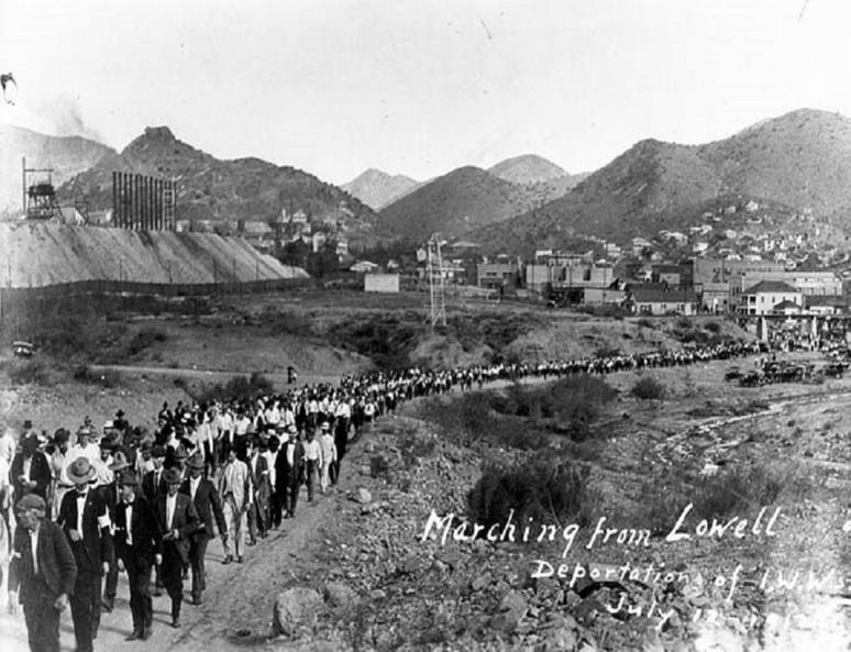 Déportation de mineurs en grève. Ils viennet de Bisbee, en Arizona (12 juillet 1917) (c) Wikimédias commons