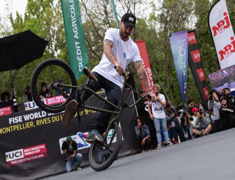 Alex Jumelin pour le BMX Flat Freestyle (c) Armand Lenoir