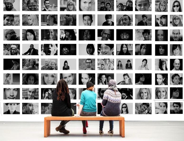 Tout le monde a voix au chapitre sur les réseaux sociaux, partout sur la planète / (c) Pixabay