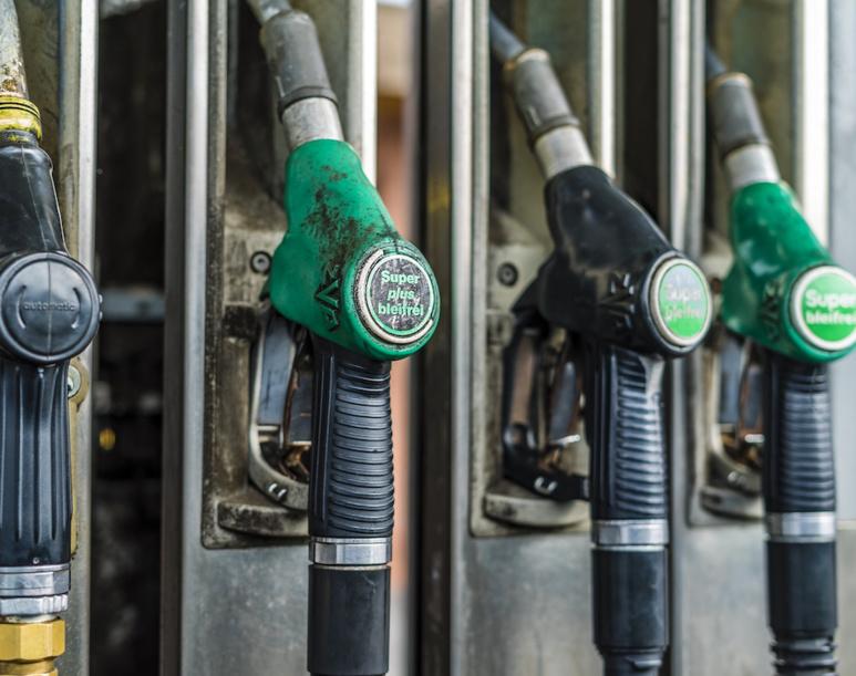 Encore toujours trop d'essence consommée dans le monde (c) Ganso pour Pixabay