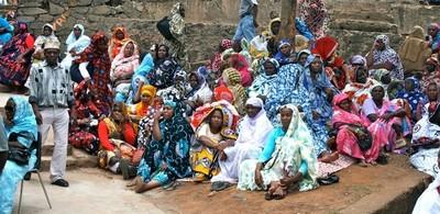 Groupe de femmes en deuil (c)  Emmanuel Tusevo Diasamvu