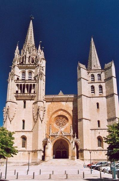 Basilique-cathédrale Notre-Dame-et-Saint-Privat de Mende. Photo (c) Patrick Giraud