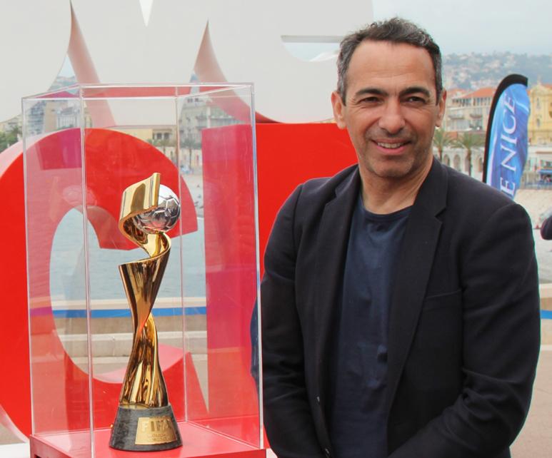 "Youri Djorkaeff : ""Le snake"" s'engage pour le football féminin. Photo (c) Serge Gloumeaud"
