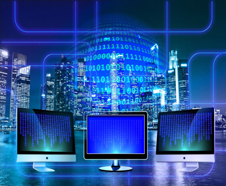 Le code binaire, langage originel des ordinateurs, aurait-il pris le contrôle des entreprises ? / (c) Pixabay