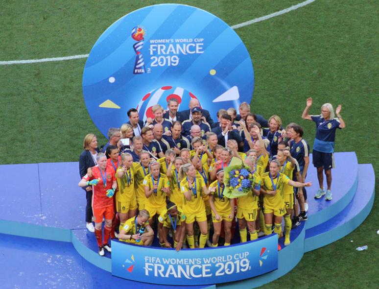Les Suédoises sur la troisième marche du podium. Photo (c) Serge Gloumeaud