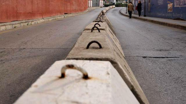 Ça mène où? Photo (C) Ibrahim Chalhoub