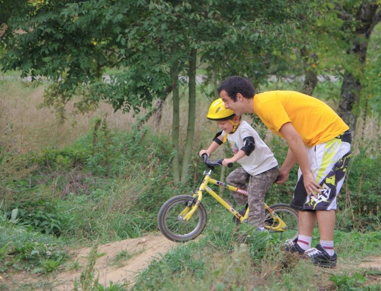 Faire du sport en pleine nature (c) association Meidine