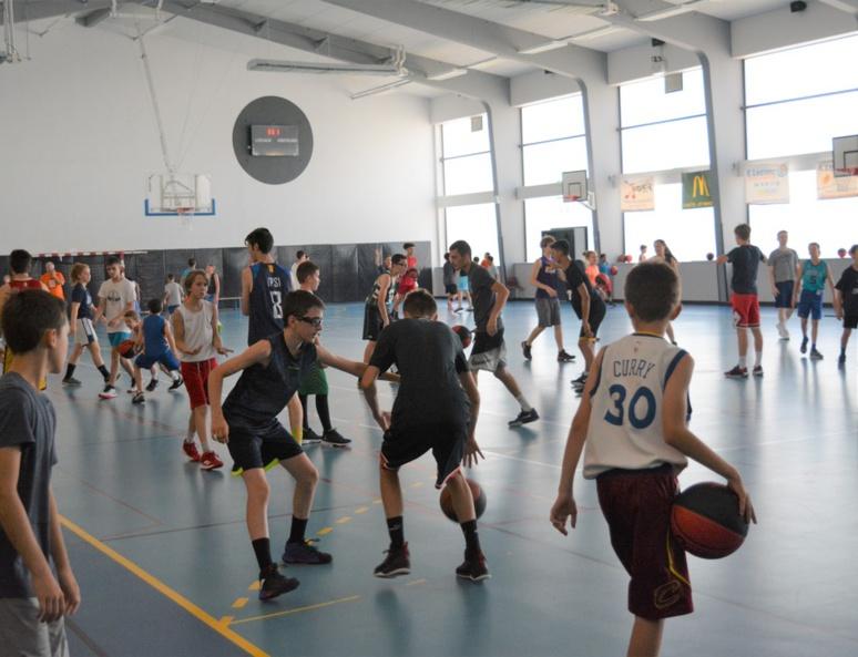 De jeunes basketteurs parfois venus de loin (c) Frédérique Gelas