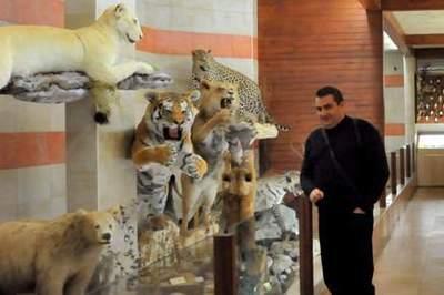 Fier de sa collection! Photo (c) Ibrahim Chalhoub