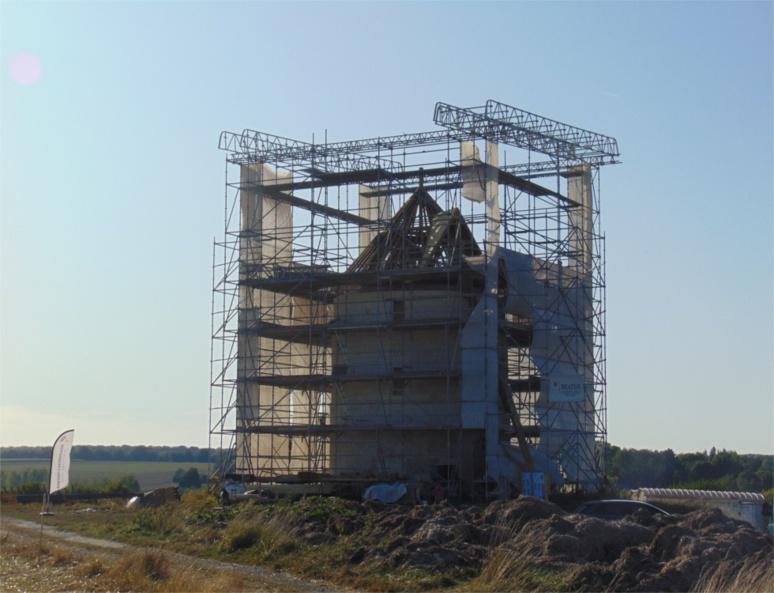 """""""Ce mercredi 18 septembre restera donc une journée historique pour beaucoup d'habitants de la commune de Mentque-Nortbécourt, pour qui le moulin a toujours fait partie intégrante du paysage et de leur vie"""" (c) Ophélie Duriez"""
