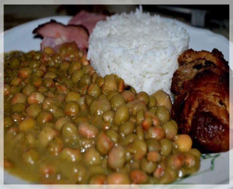 L'un des traditionnels repas de Noël antillais (c) Francine Beaupère