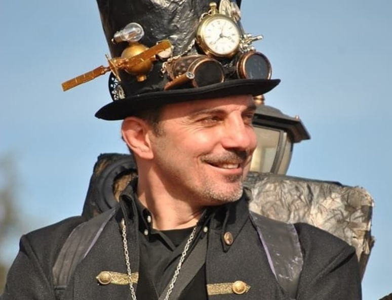 Costume d'inspiration Steampunk (c) Sébastien Bietrix