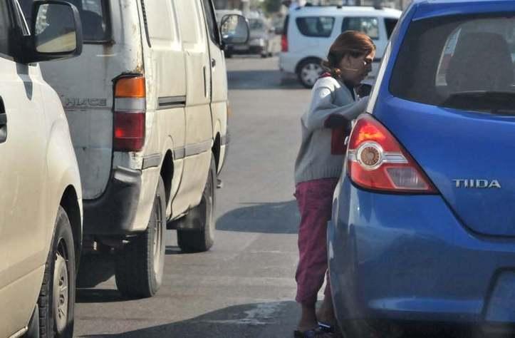 Accrochée à la voiture! Photo (C) Ibrahim Chalhoub