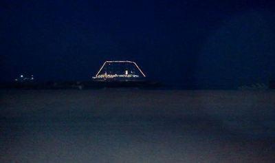 La plage du Larvotto la nuit. Photo (c) Eva Esztergar