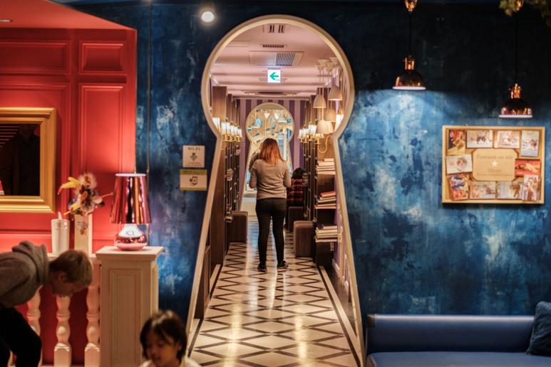 L'intérieur du café. Ambiance conte de fées. ©Florent Guérout
