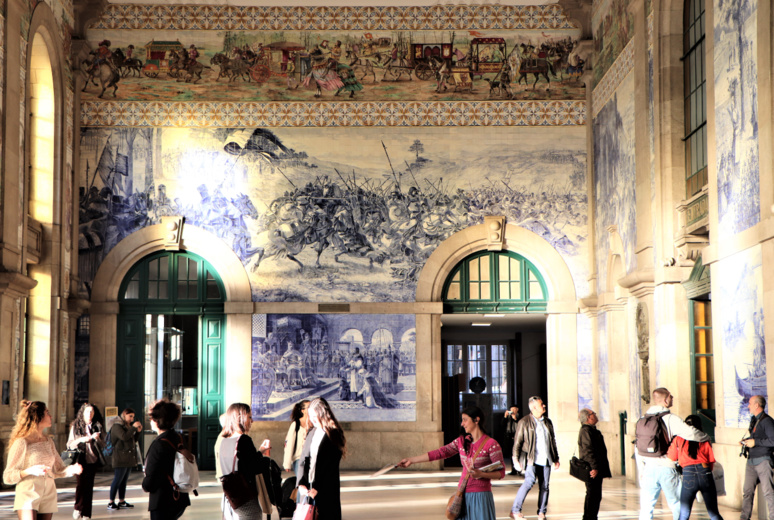 Azulejos de la gare de São Bento. / © E.V.