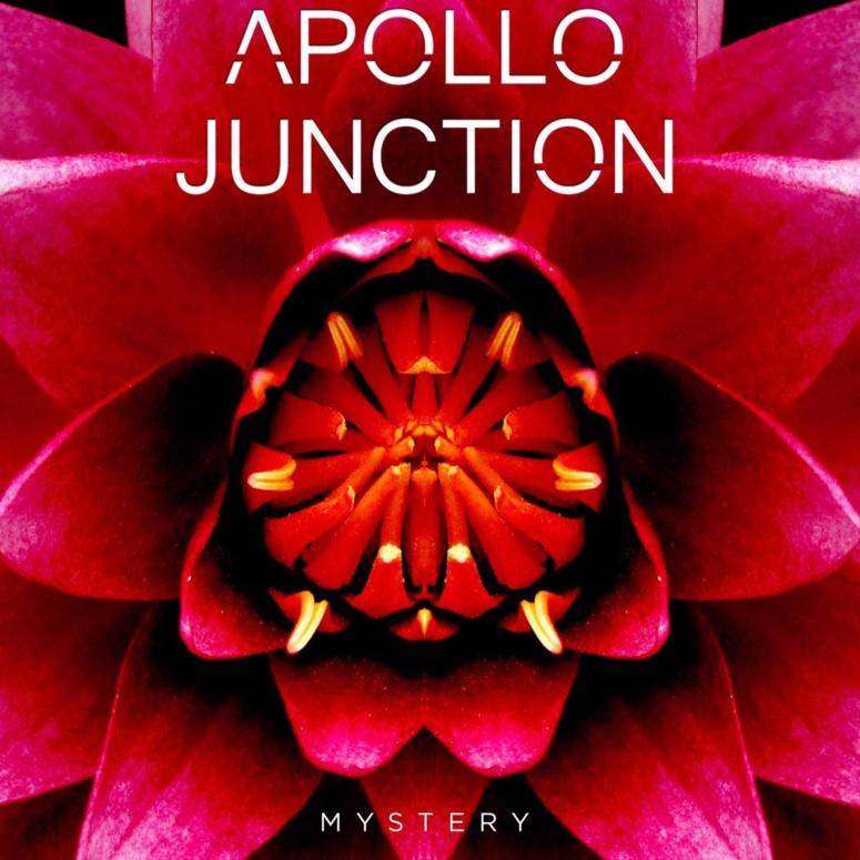 "Apollo Junction frappe fort avec ""Mystery"""