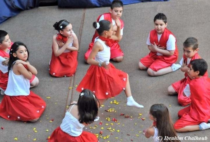 Dansant sur scène! Photo (C) Ibrahim Chalhoub