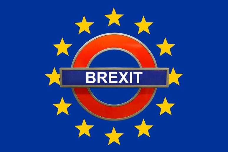Brexit avec le drapeau européen et un signe reconnaissable de l'Angleterre © Pixabay