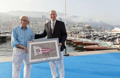 Carlo Riva avec le prince Albert II de Monaco. Photo (c) Guillaume Plisson / YCM