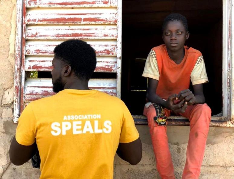 """""""Nous voulons faire parti des grands pour apporter la sérénité, la paix et l'équilibre dans ce monde."""" Association SPEALS à Diéoura, Mali (C) SPEALS"""