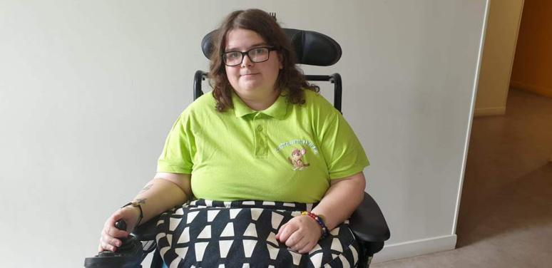 Océane Michel est une étudiante de 23 ans en BTS comptabilité-gestion dans le département de l'Aube. Elle se bat contre la maladie de Lyme depuis plusieurs années © Association Océane contre Lyme