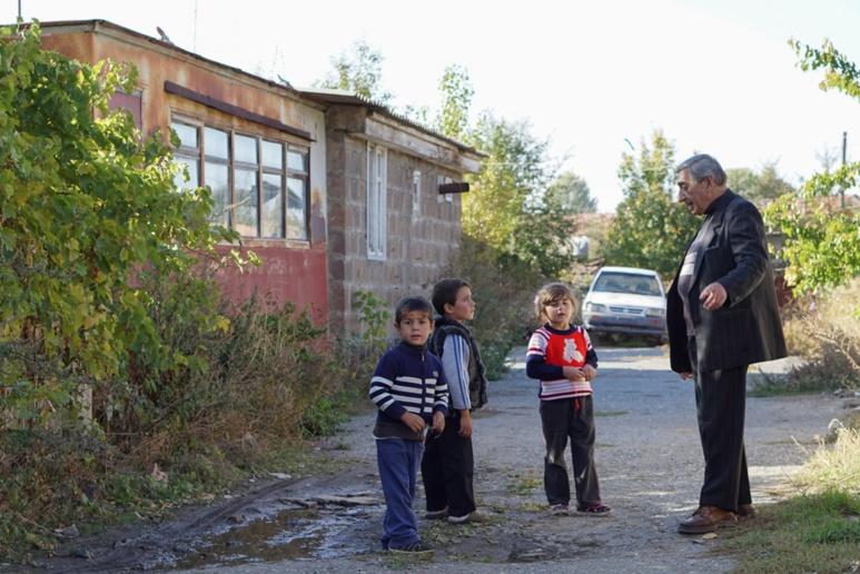Martin Pashayan et ses élèves  (c) archive personnelle de Martin Pashayan